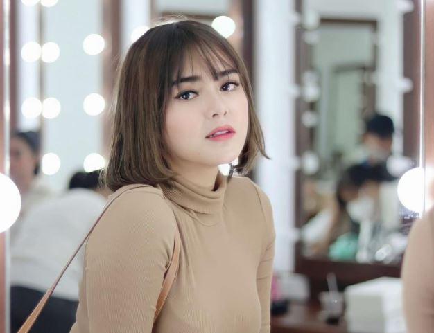 Resletingnya Terbuka Saat Syuting Ikatan Cinta, Amanda Manopo Minta Maaf