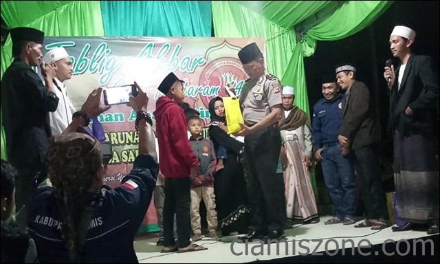 Pawai Obor Berhadiah Ala KT Cakra Wulung yang Santuni 110 Anak Yatim