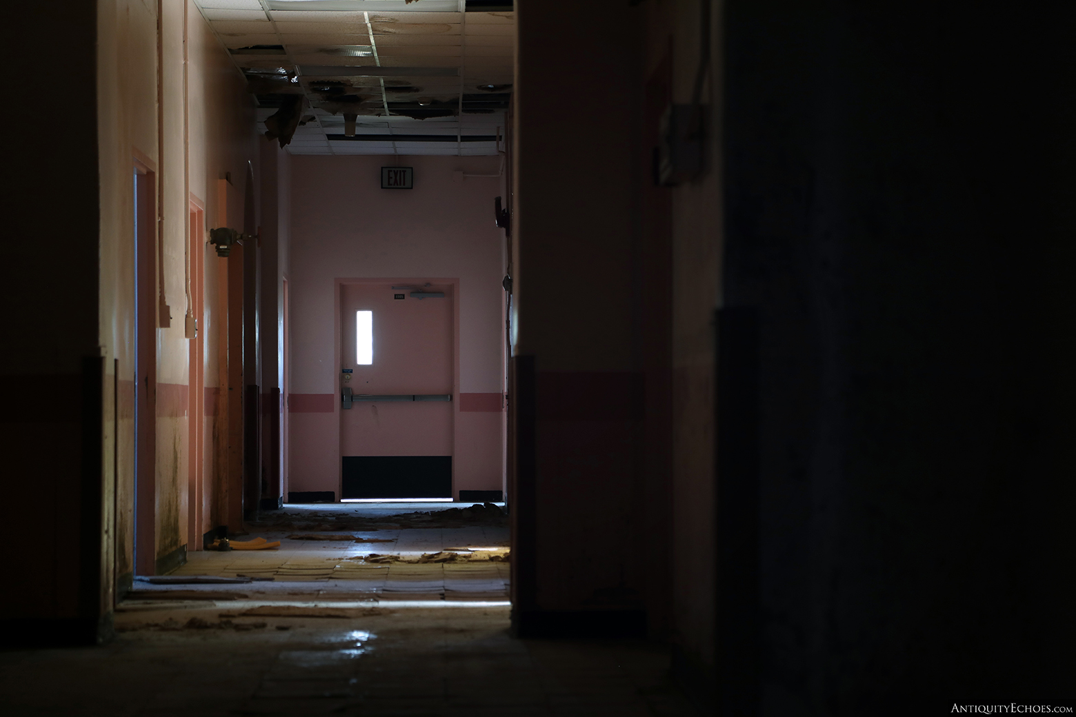 Allentown State Hospital - Decay in the Halls