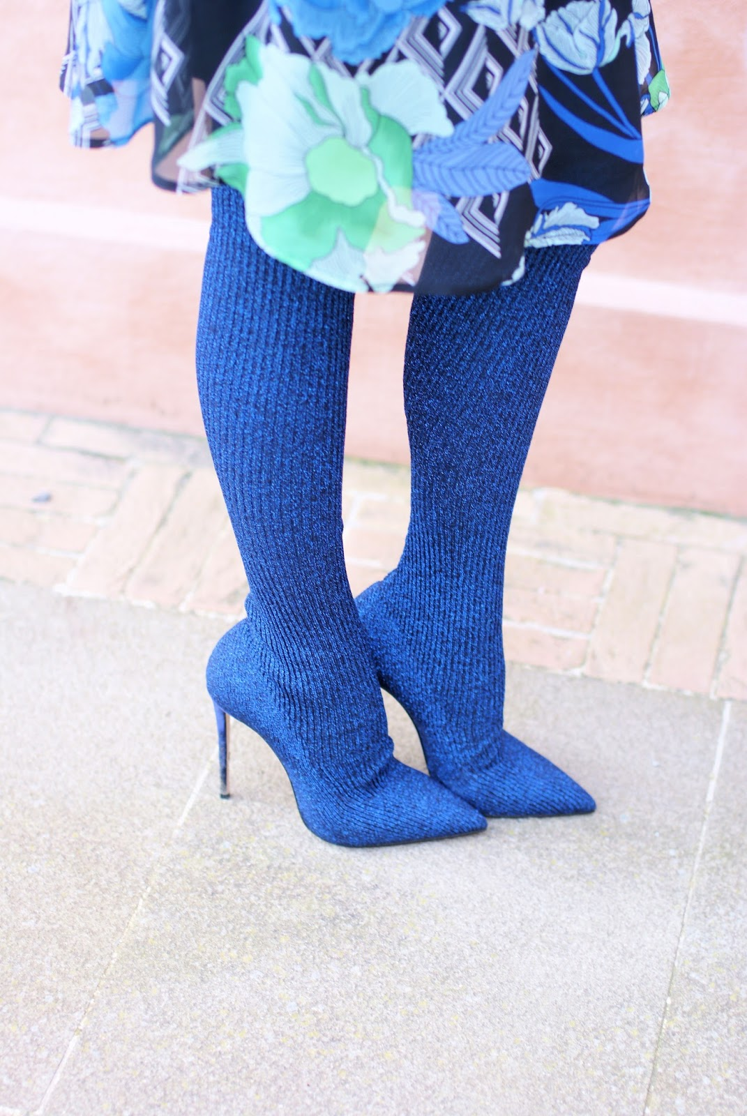 Le Silla sock boots on Fashion and Cookies fashion blog, fashion blogger style