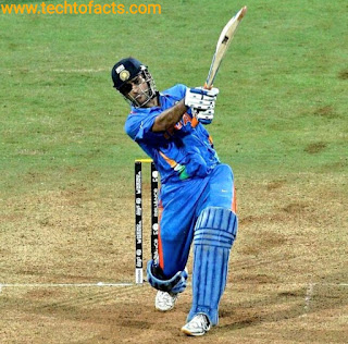 What is the monthly income of MS Dhoni?What is the Biography of MS Dhoni?