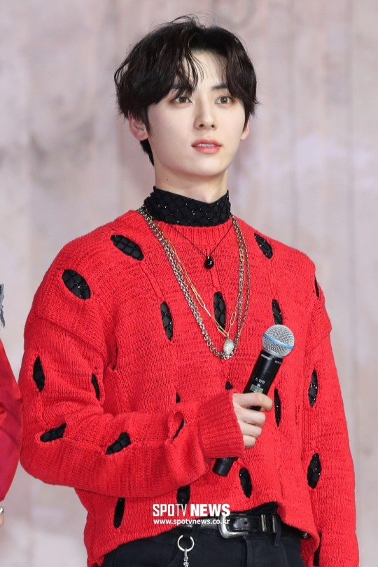 NU'EST Hwang Minhyun reportedly will join the cast of tvN's drama 'Return', Knetz comments.