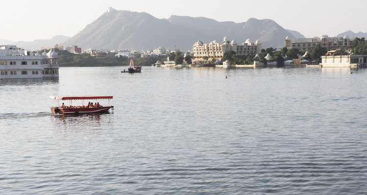 Lake-Pichola-Tourist-Place-in-udaipur