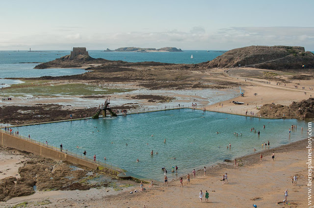 Piscina marea baja Saint Malo viaje Bretaña