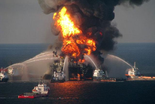 Ledakan di Kilang Minyak Deepwater Horizon