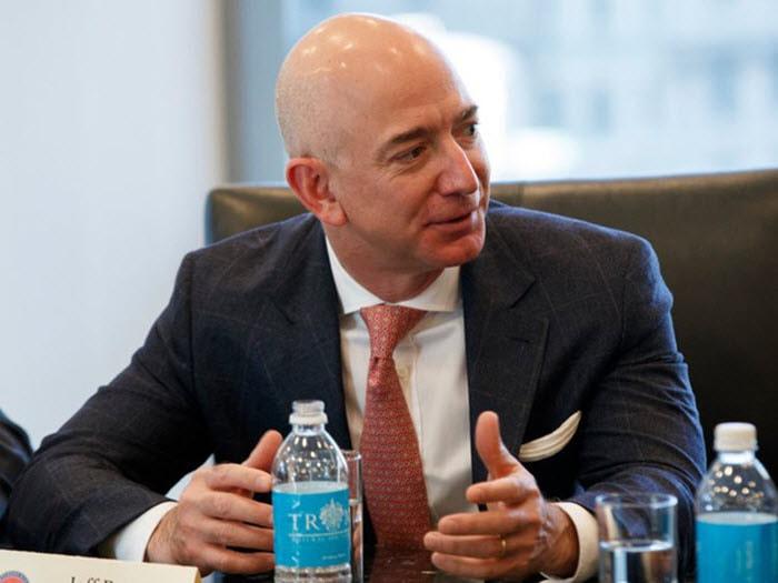 Ông chủ Amazon chia sẻ bí quyết trở thành tỷ phú giàu nhất thế giới -1