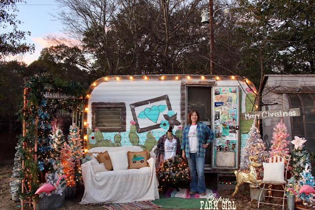 Vintage Glamper Christmas