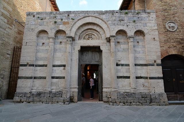 Oratório de São Francisco na Chiesa del Quercecchio em San Gimignano