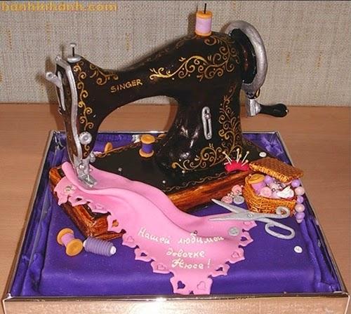 Những chiếc bánh sinh nhật hài VL, máy khâu