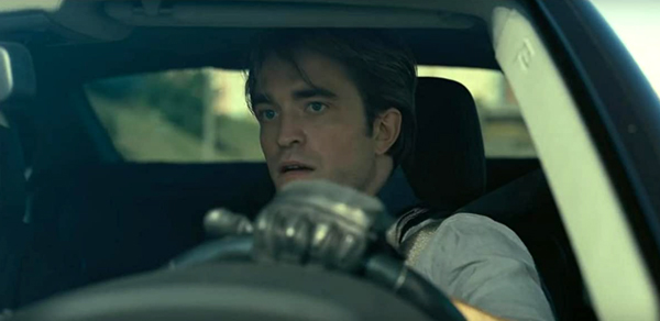 Neil (Robert Pattinson) is determined to help the Protagonist find a nuclear weapon that can end the entire world in TENET.