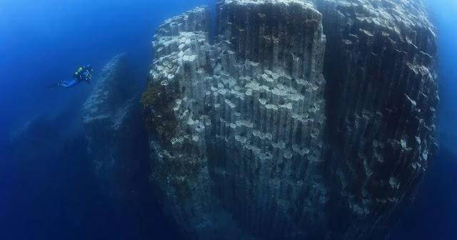 Spot Fotografi Bawah Laut