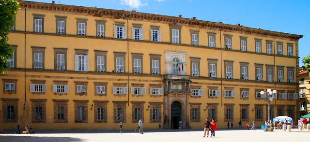 piazza Napoleone-Lucca