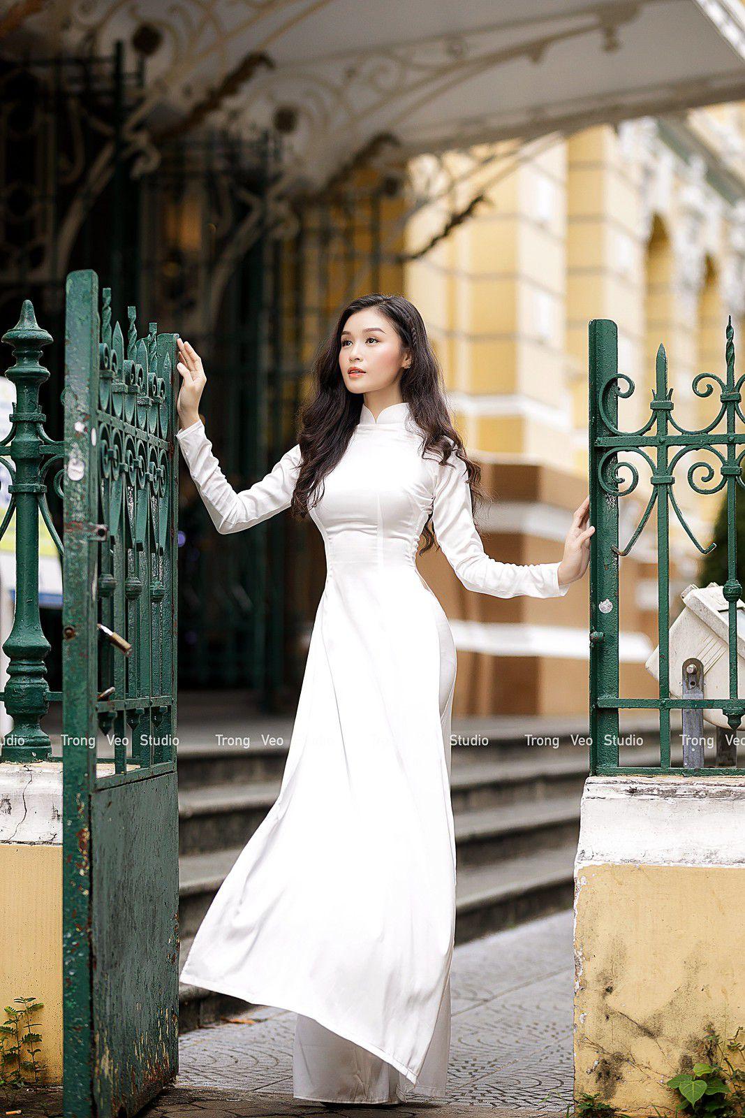 Ngắm bộ ảnh hoa khôi Phương Đoan đẹp hú hồn trong tà áo dài trắng thướt tha 5