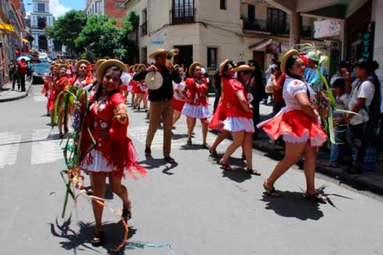 Rueda chapaca dio inicio al Carnaval Chapaco 2017
