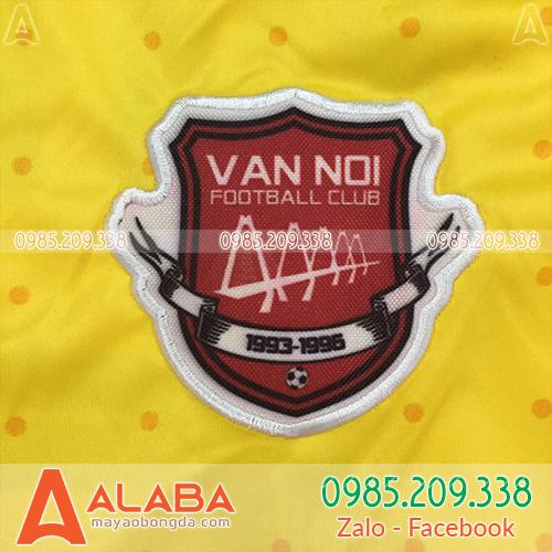 Thêu logo áo bóng đá đẹp