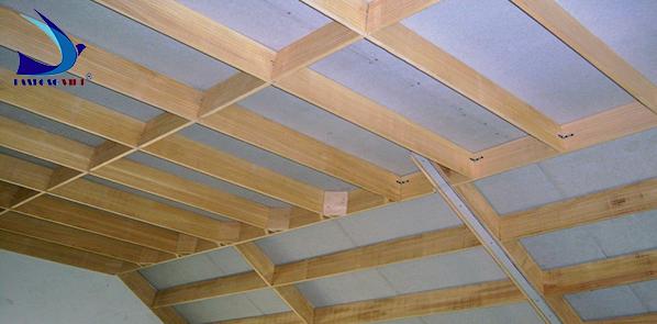 Giàn khung gỗ nhà yến nơi chim làm tổ