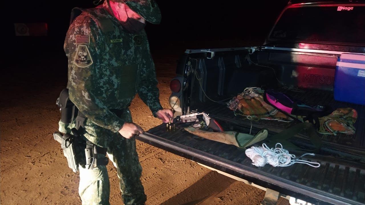 Caçador é preso em Anhembi com arma e apetrechos para caça de Javali