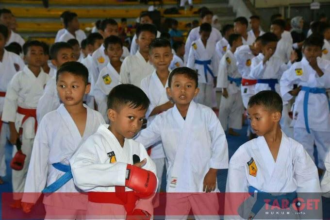 Kejuaraan Karate Cup Tingkat Pelajar 2019 di GOR Pesantenan Pati