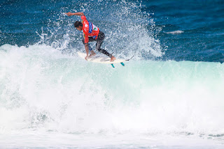 52 Messias Felix BRA Azores Airlines Pro foto WSL Laurent Masurel