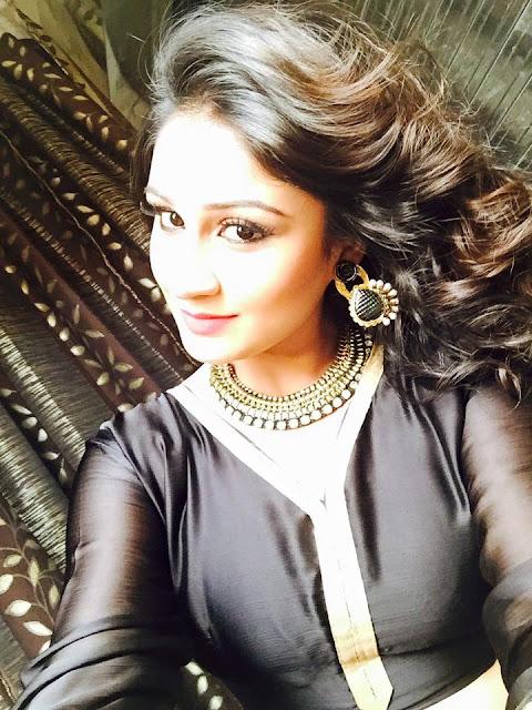 Pictures of Bhojpuri Movie Actress Antara Banerjee