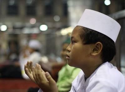 Doa Khitan Ketika Acara Walimatul Khitan Anak Lengkap Arab dan Artinya