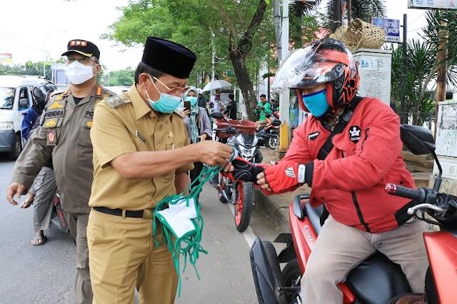 Usai Dijahit, Masker Kain Dibagikan Untuk Warga Kota Tangerang