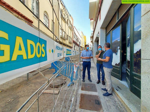 El Cabildo ejecuta el 60% de las obras de remodelación de la calle Príncipe Felipe de San Andrés y Sauces