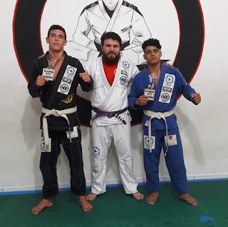 """Alunos de Jiu-Jitsu do Projeto """"Lions Brazilian Jiu Jitsu"""" em Sete Barras se consagram campeões no Paraná."""