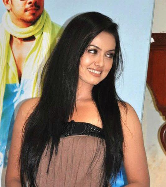 Actress Sana Khan Latest Hot Photos