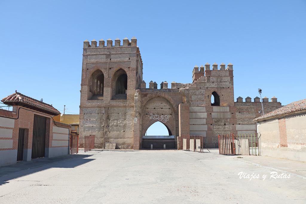 Puerta de Cantalapiedra, Madrigal de las Altas Torres