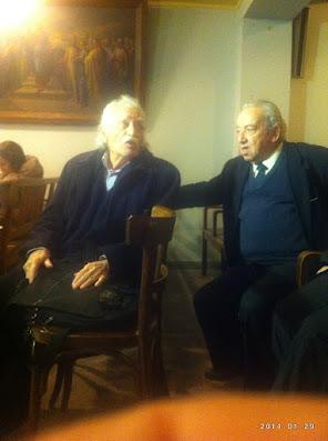 """Ο Μανώλης Γλέζος με τον επίτιμο Πρόεδρο της ΧΔ Μανώλη Μηλιαράκη σε εκδήλωση της """"Χριστιανικής""""."""
