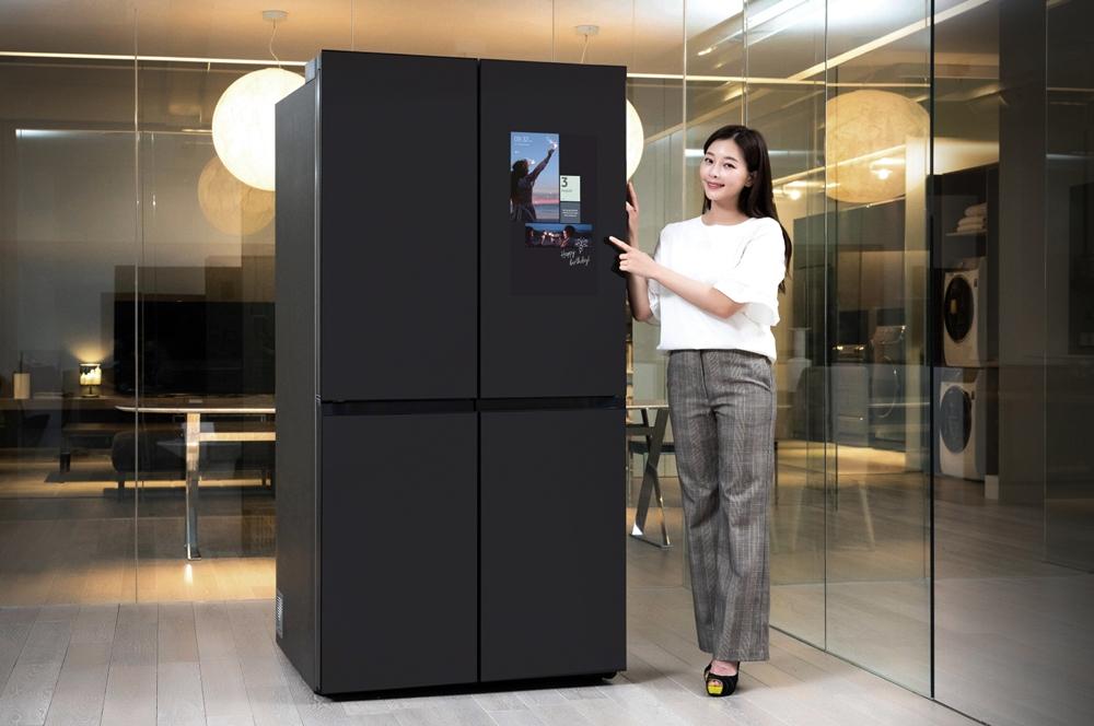 삼성전자,  '패밀리허브(Family Hub)' 적용 비스포크 냉장고 출시