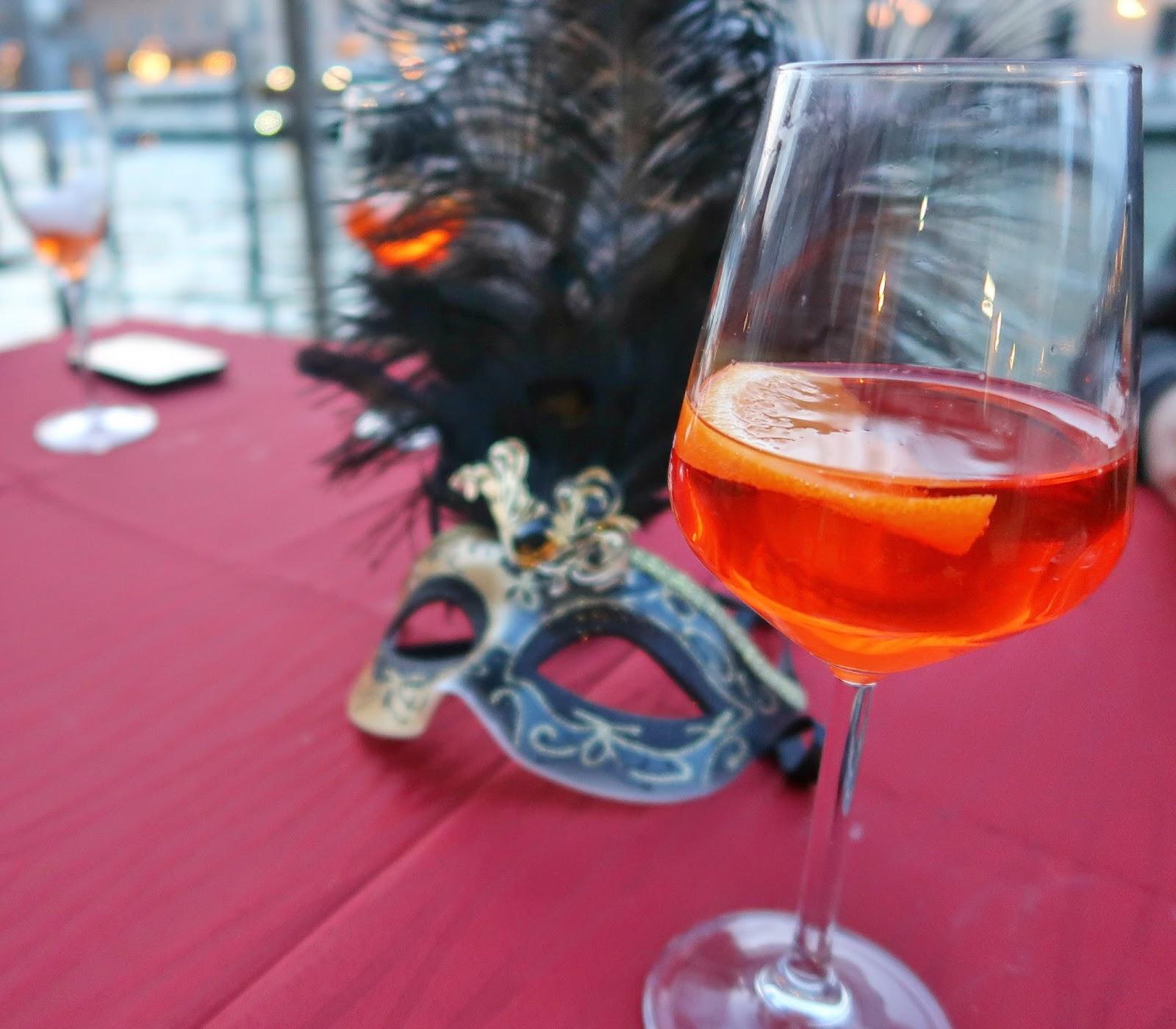 Aperol Spritz Veneza Carnaval