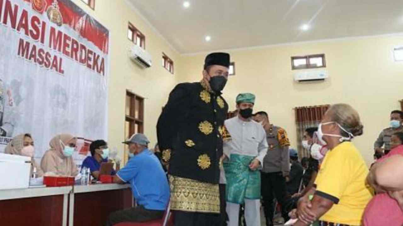 Wakil Wali Kota Aulia Rachman Tinjau Vaksinasi Massal di Polres Pelabuhan Belawan