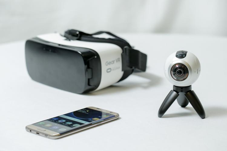 Harga Kamera VR Samsung Gear 360
