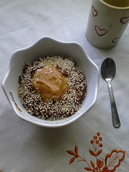 Owsianka czekoladowa z masłem orzechowym