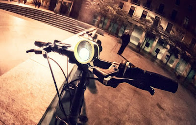 Luz delantera de bicicleta