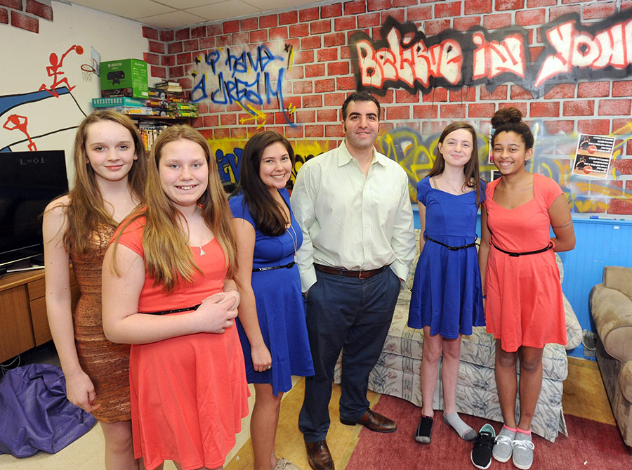 Let's Dance! The Believe in Yourself Project Donates Dresses to Underprivileged Girls for School Dance