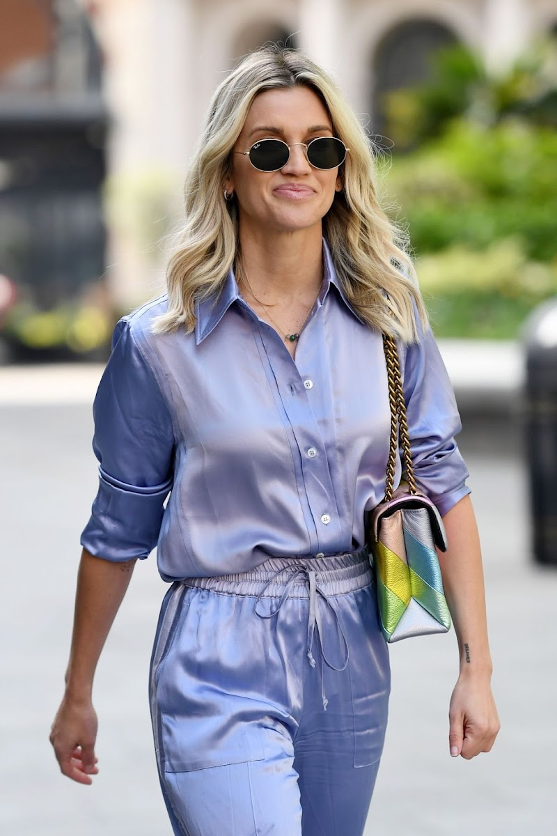 Ashley Roberts  Arrives at Heart Breakfast Show in London 7 May-2020