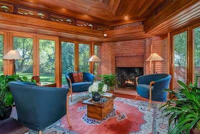 Sitting room | Photo courtesy of The Robin Seidon Team