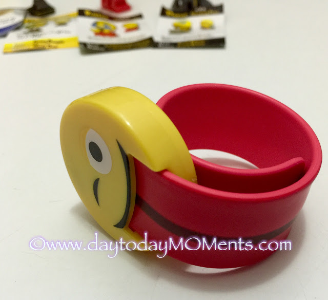Emoji slap bands