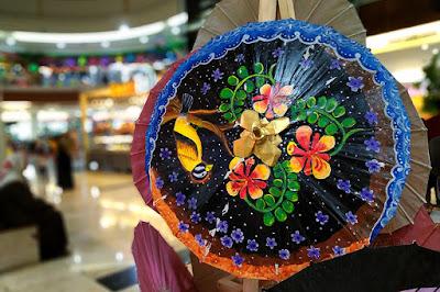 Foto payung geulis bokeh di acara Priangan Weekend Market di Tasikmalaya