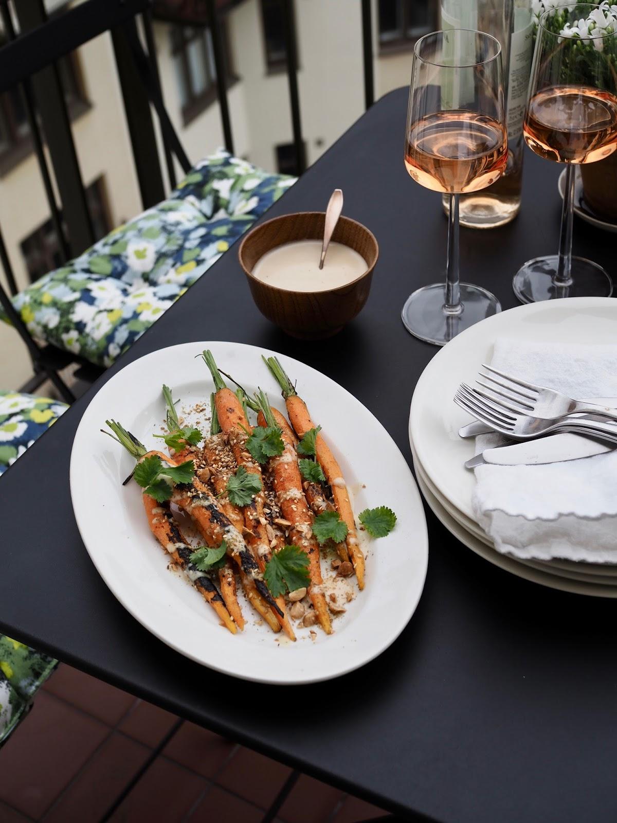 Dukkahilla maustetut porkkanat, dukkah, grillatut porkkanat, tahinikastike, gluteeniton, vegaaninen