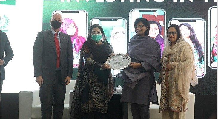 US embassy announces additional 700 scholarships for Pakistani women