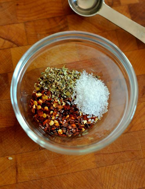 Dried-Red-Pepper-Flakes-Dried-Oregano-Kosher-Salt-tasteasyougo.com