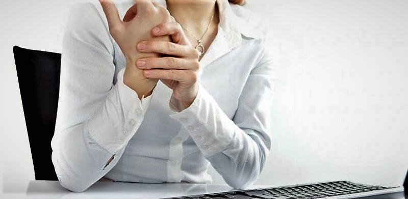Bileğini kullanarak çalışanları tehdit eden hastalık