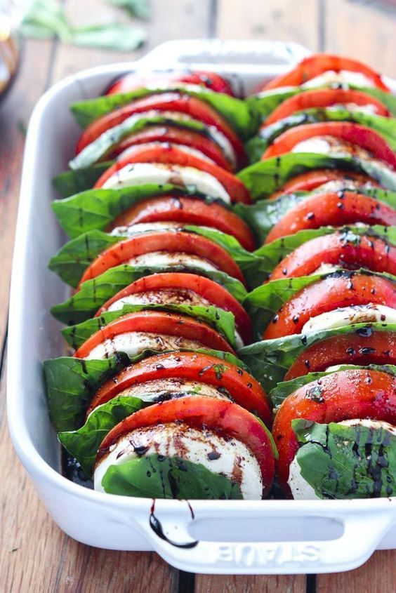 TOMATO MOZZARELLA SALAD WITH BALSAMIC REDUCTION #recipes #vegetable #vegetablerecipes #food #foodporn #healthy #yummy #instafood #foodie #delicious #dinner #breakfast #dessert #lunch #vegan #cake #eatclean #homemade #diet #healthyfood #cleaneating #foodstagram