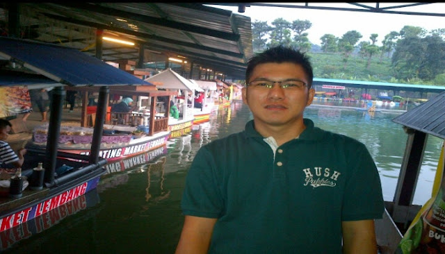 pasar apung floating market