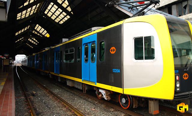 LRT 1 Train Speed at 60 KPH