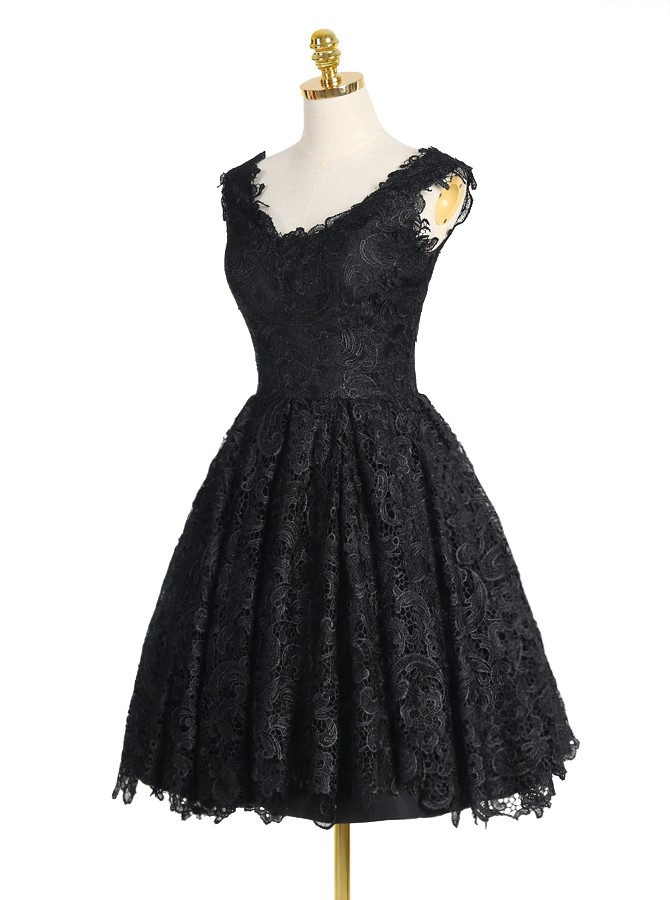 Modern Retro A-line V-neck Knee-length Black Lace Homecoming/Prom Dress
